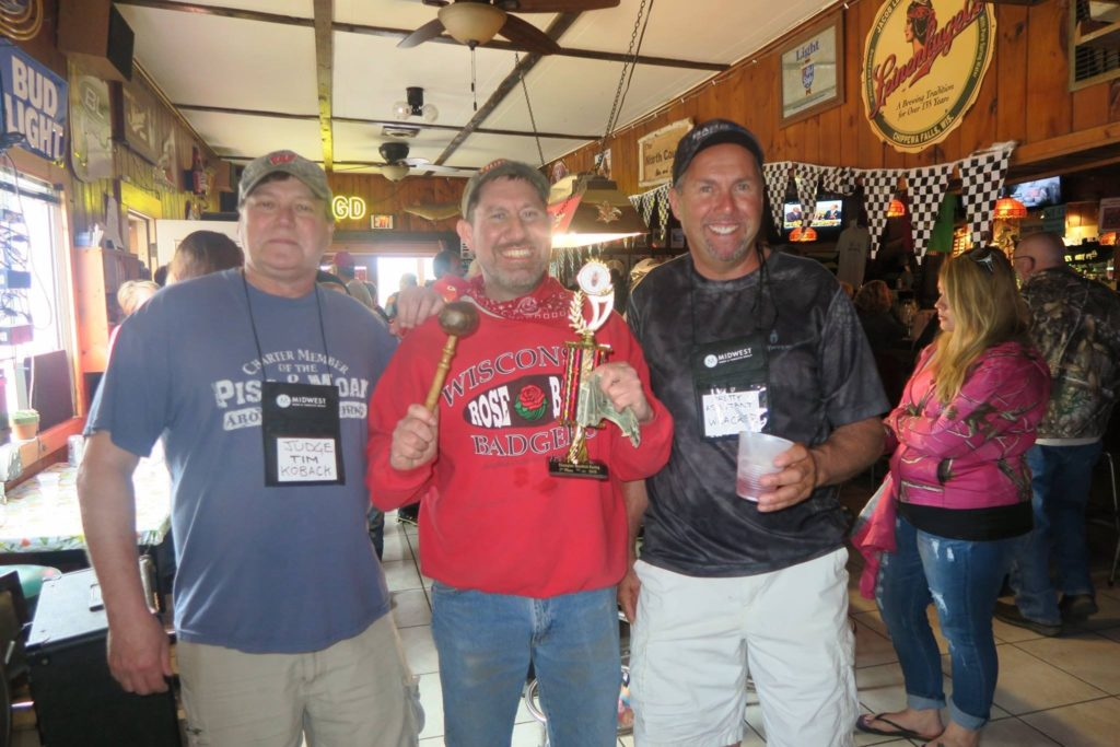 Winner Scott Smith (center) with Judges Tim Koback and Dave Joswiak.